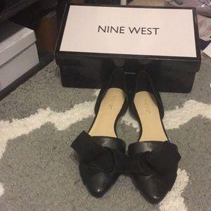 NWT Nine West bow flats